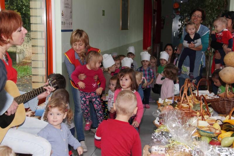 Dan-zahvalnosti-u-djećjem-vrtiću-Križevci-snimio-Marcel-Kovačić-0011-e1445251993417