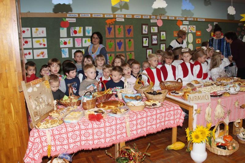 Dan-zahvalnosti-u-djećjem-vrtiću-Križevci-snimio-Marcel-Kovačić-009-e1445251872111