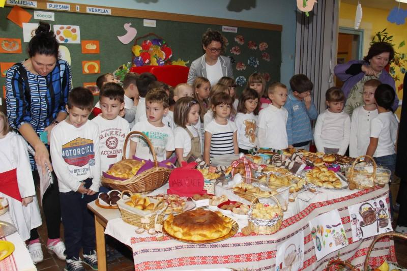 Dan-zahvalnosti-u-djećjem-vrtiću-Križevci-snimio-Marcel-Kovačić-010-e1445251835435