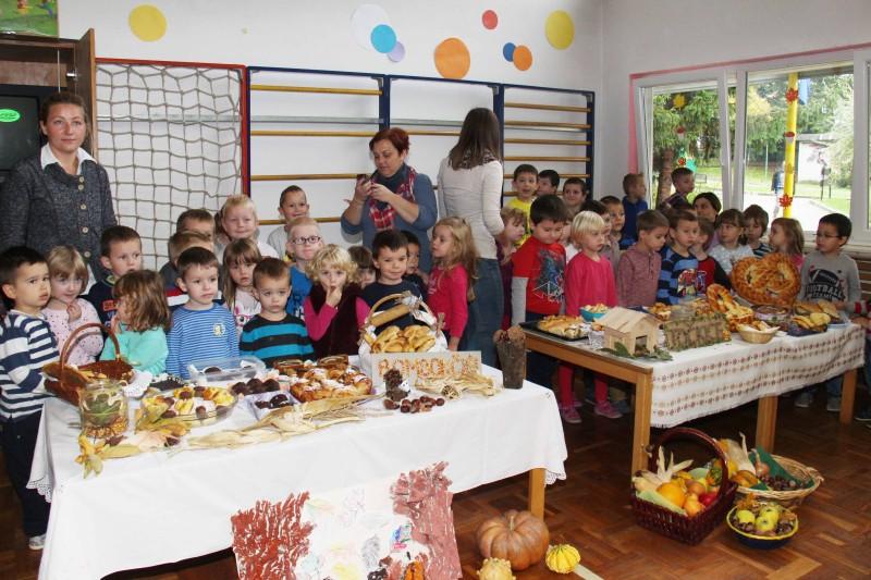 Dan-zahvalnosti-u-djećjem-vrtiću-Križevci-snimio-Marcel-Kovačić-013-e1445251764531
