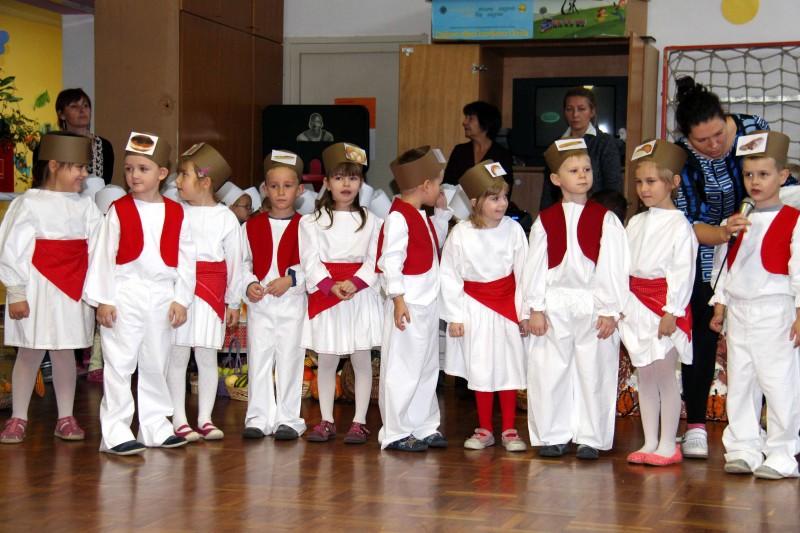 Dan-zahvalnosti-u-djećjem-vrtiću-Križevci-snimio-Marcel-Kovačić-036-e1445251518503