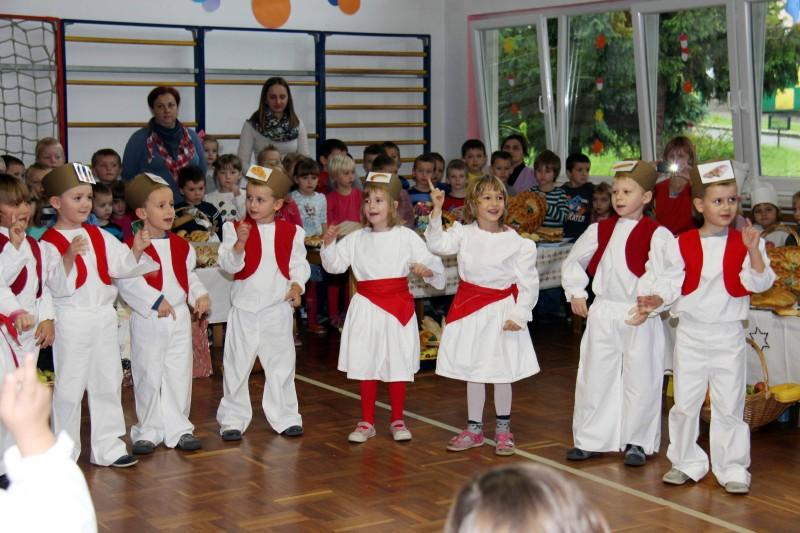 Dan-zahvalnosti-u-djećjem-vrtiću-Križevci-snimio-Marcel-Kovačić-048-e1445251448686